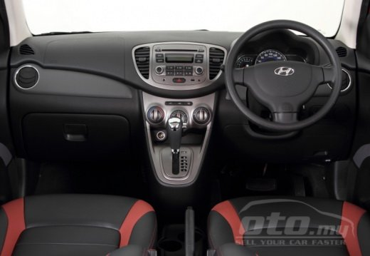 Hyundai i10 Colourz Edition interiors