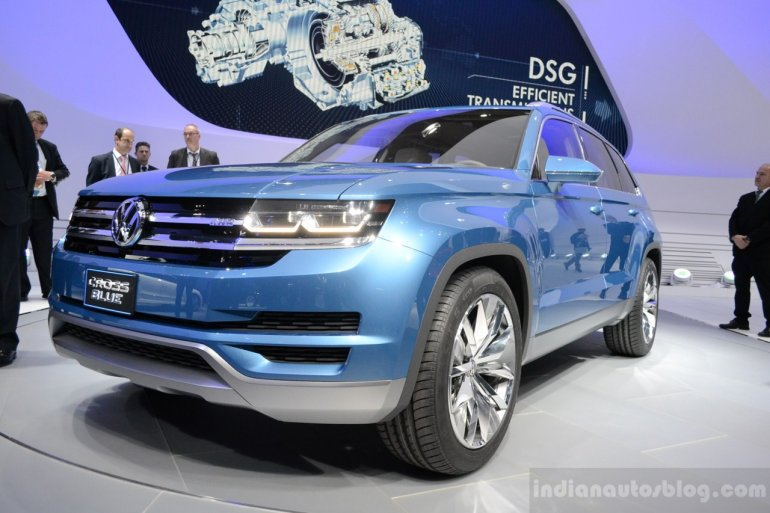 VW CrossBlue Concept at NAIAS 2013 (16)