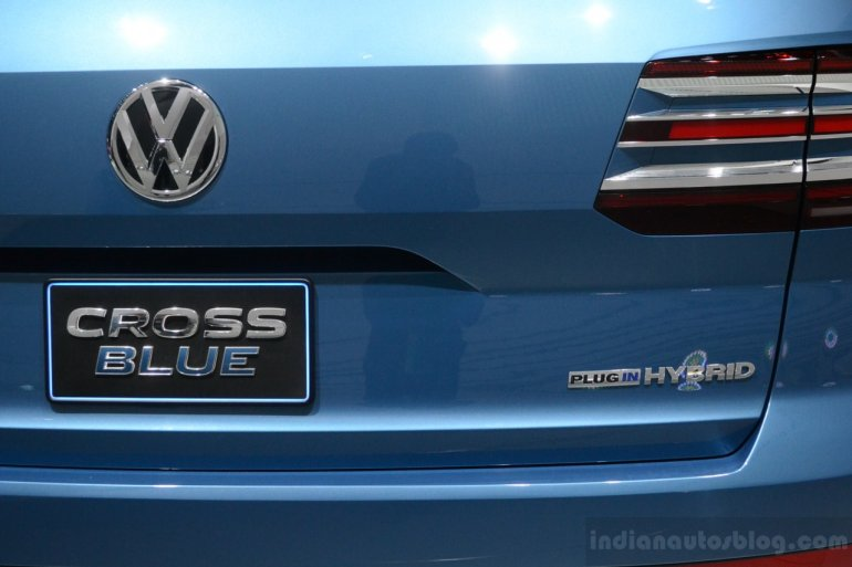 VW CrossBlue Concept at NAIAS 2013 (18)