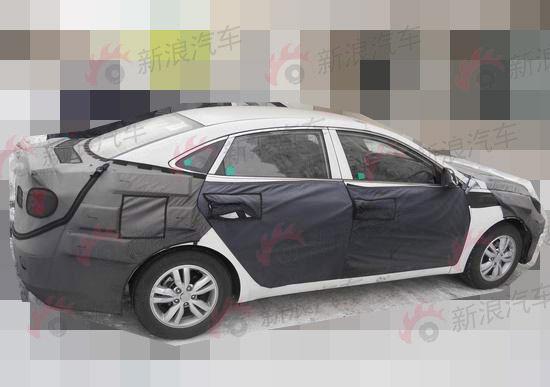 hyundai-mid-size-sedan-china side