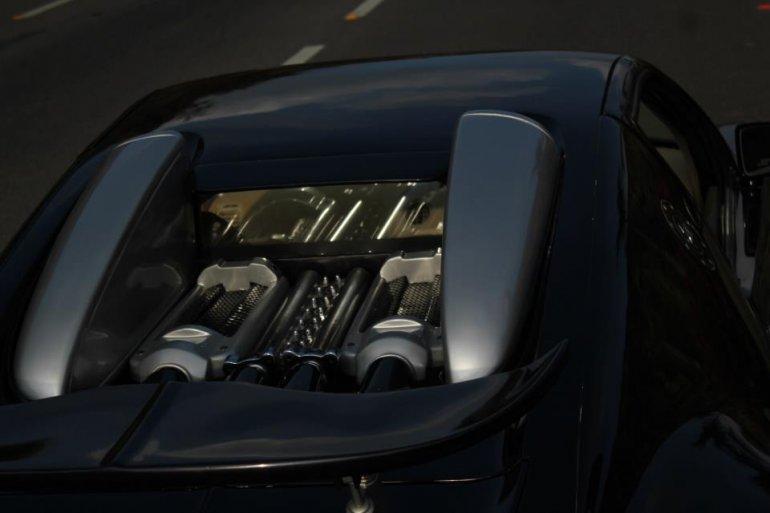 Buggati Veyron Replica engine bay
