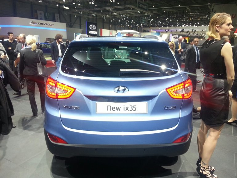 2013 Hyundai ix35 rear profile