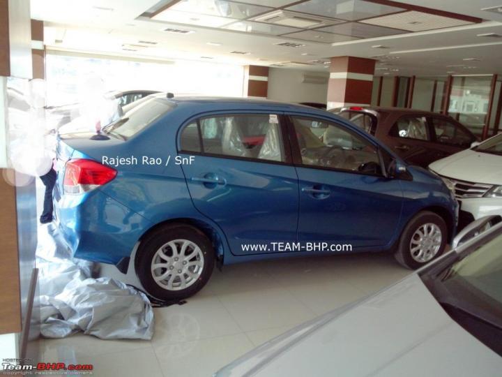 Honda Amaze at indian dealership