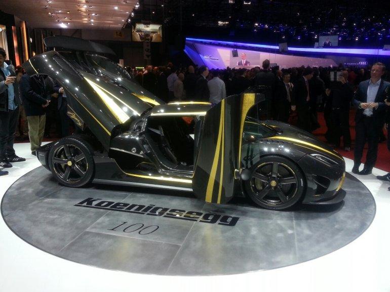 Koenigsegg Agera S Hundra side