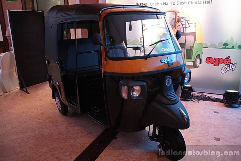 Piaggio Ape City black front
