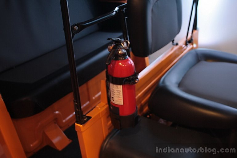 Piaggio Ape City fire extinguisher