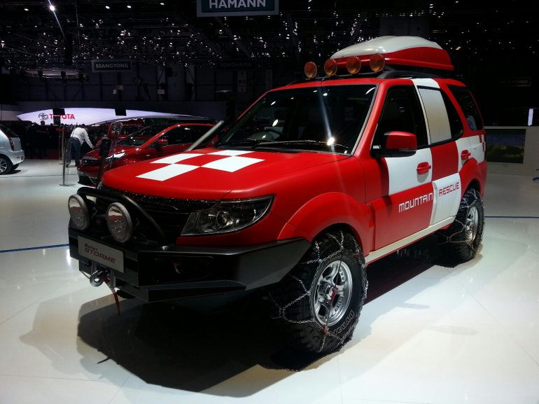 Tata Safari Storme Mountain Rescue side