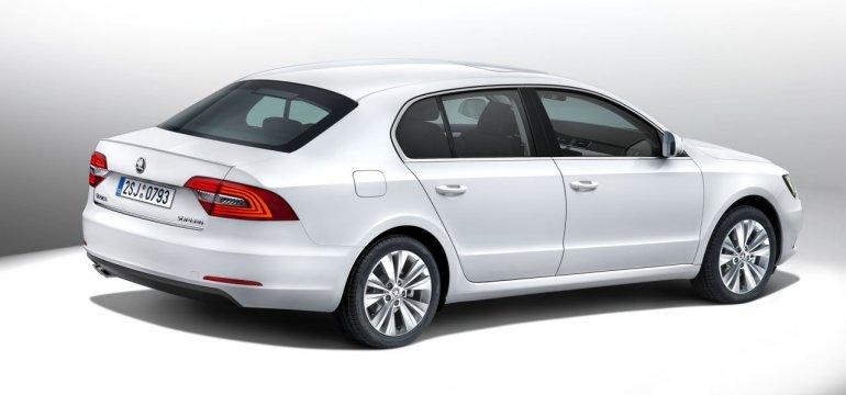 2014 Skoda Superb facelift rear