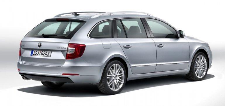 2014 Skoda Superb Combi facelift rear