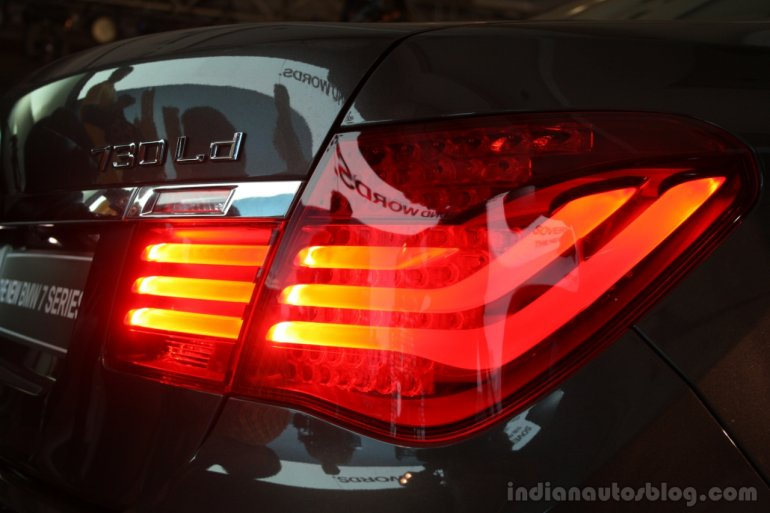 2013 BMW 7 Series tail lamps