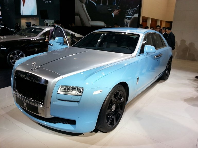 Rolls Royce Ghost Alpine Trial Centenary Collection front three quarter at the 2013 Auto Shanghai