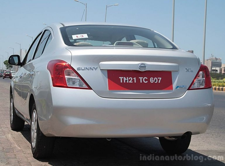 Nissan Sunny Automatic rear three quarters
