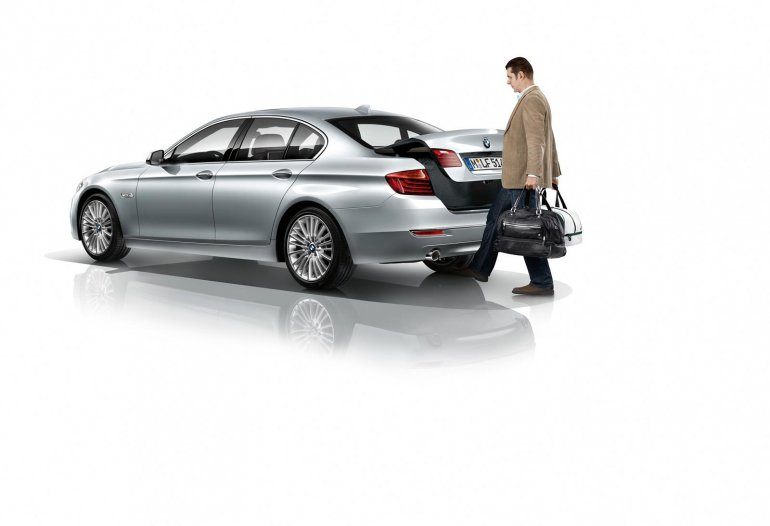 Boot release gesture in the new 5 Series