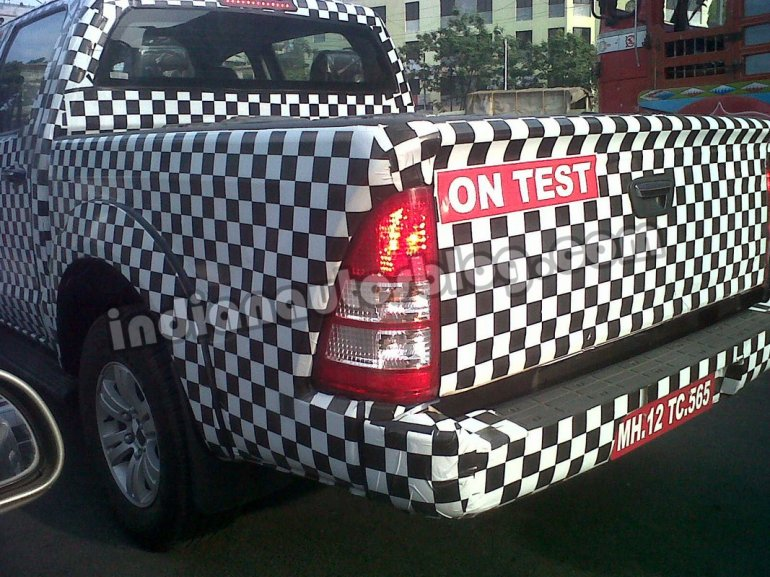 Foton Tunland spied in Pune Tailgate