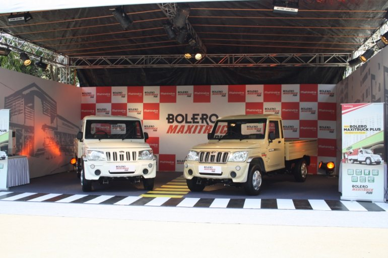 Mahindra Bolero Maxi Truck Plus white and beige