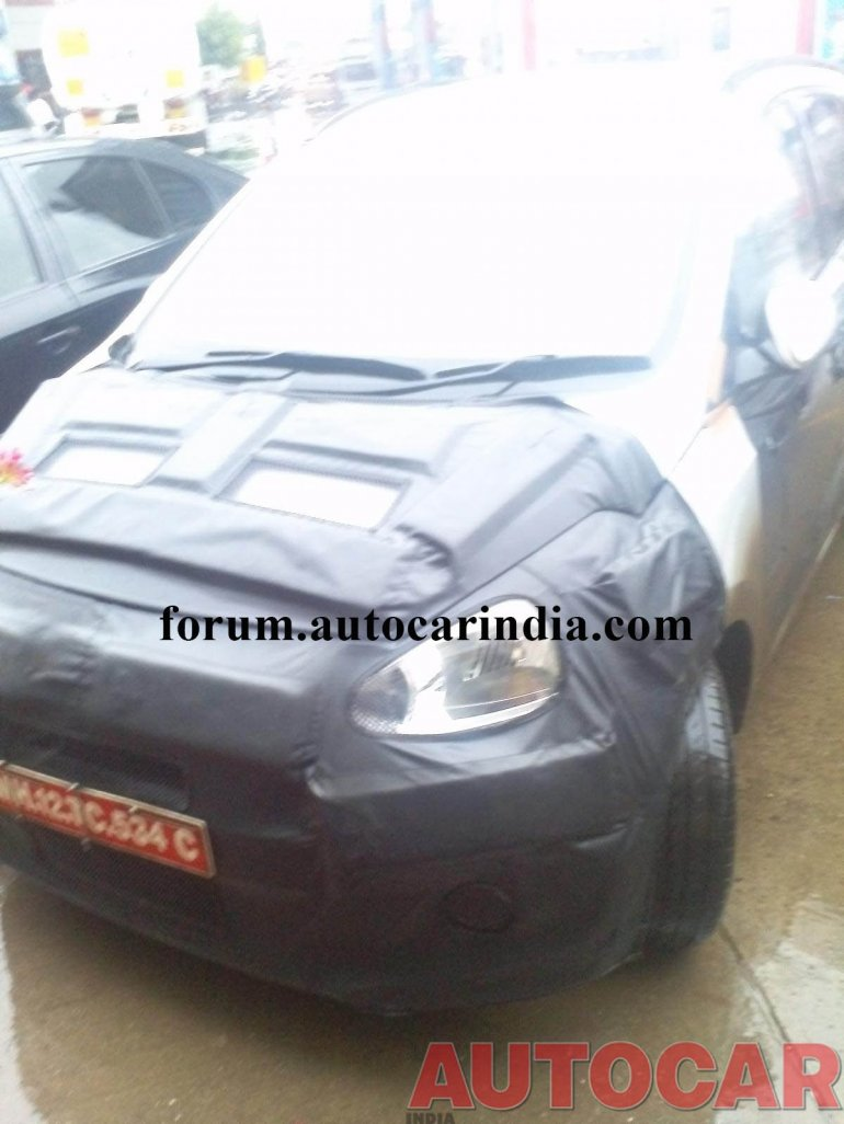 2014 Hyundai i10 spied in India front