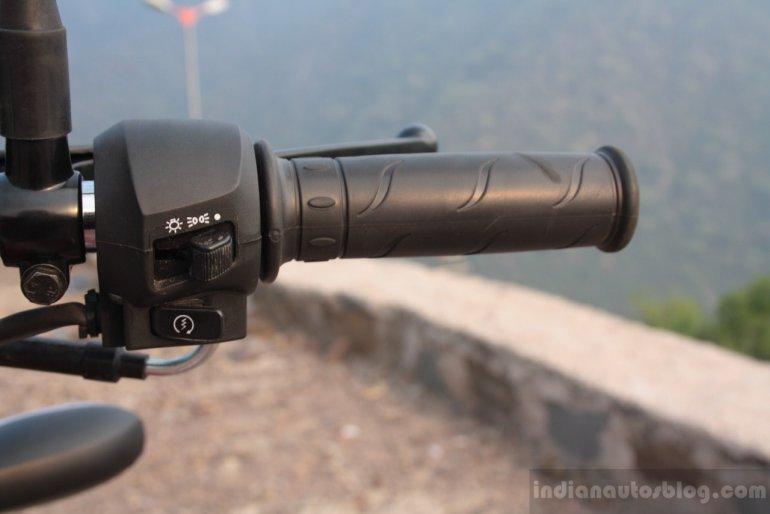 Right side swiftgear of the Mahindra Centuro