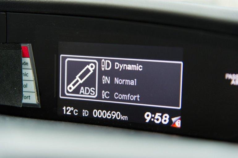 Adaptive rear damper system of the Honda Civic Tourer prototype