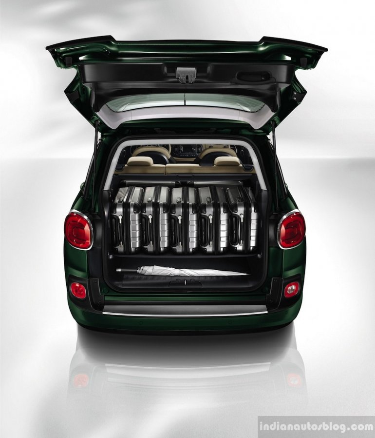 Fiat 500L Living boot space
