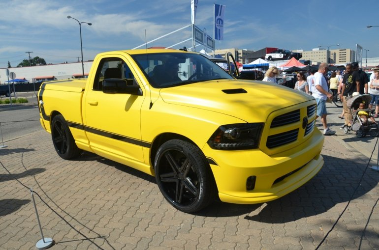 Front right three quarter of the Ram Rumble Bee Concept