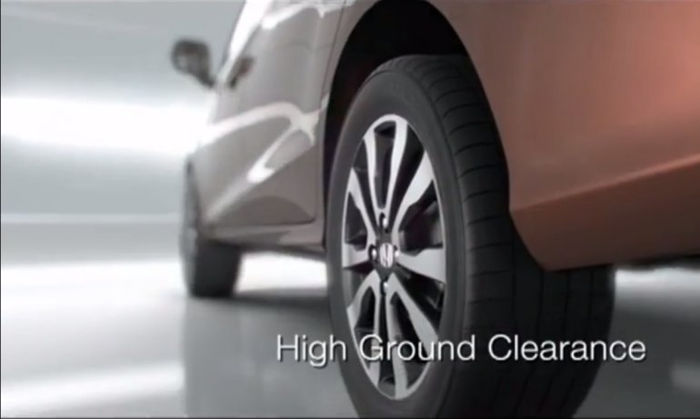 Honda Mobilio ground clearance