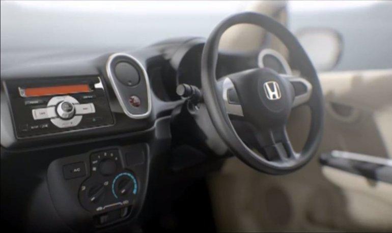 Honda Mobilio steering wheel