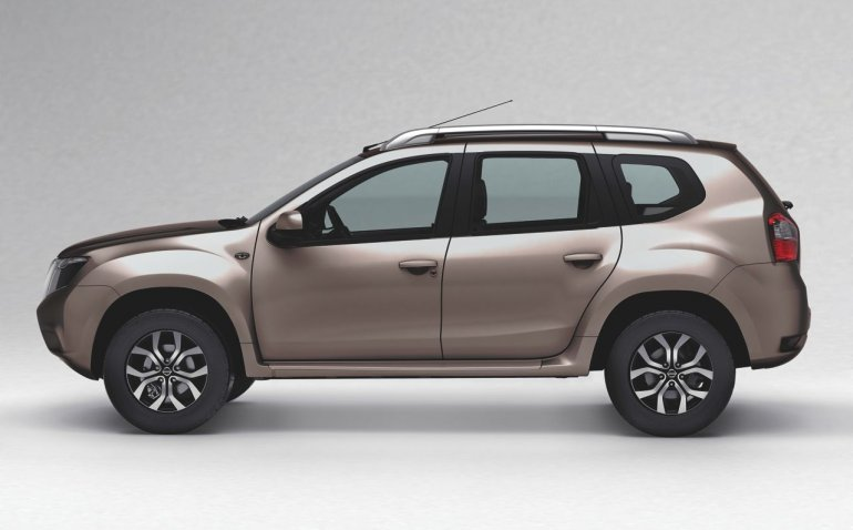 Nissan Terrano official image side