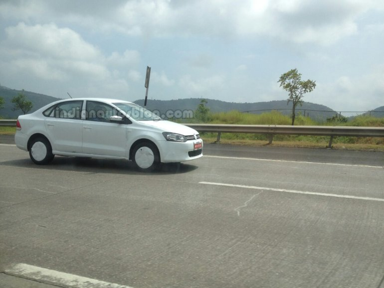 VW Vento GT TSI spied side view