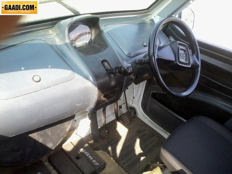 Bajaj RE60 interiors