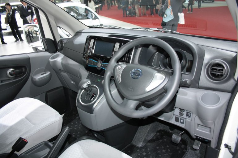 Nissan e-NV200 dashboard