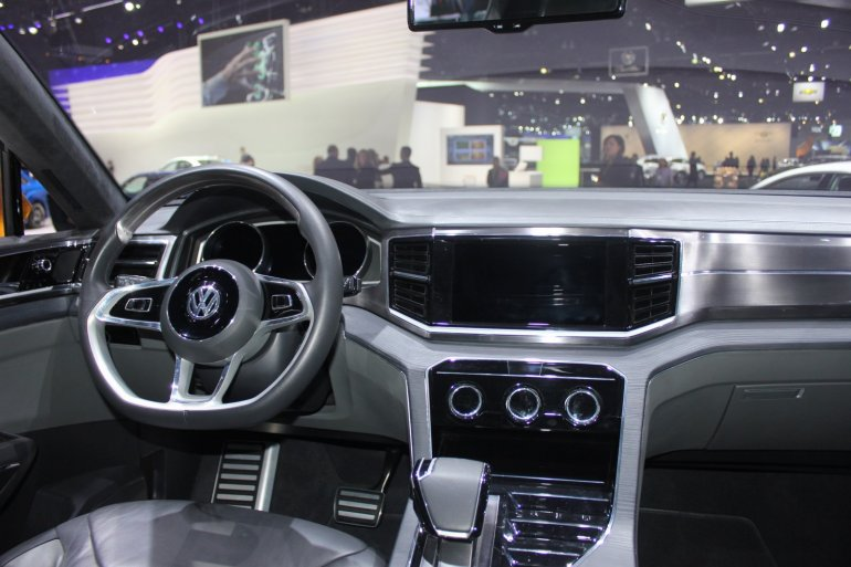 VW CrossBlue Coupe interiors