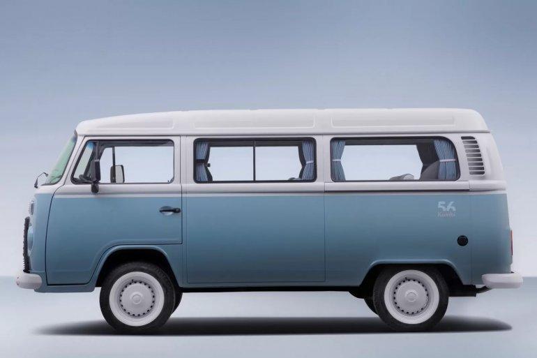 VW Kombi Last Edition Brazil side view