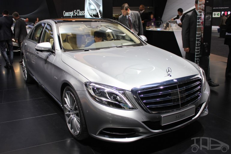 2015 Mercedes-Benz S600 at 2014 NAIAS front three quarter