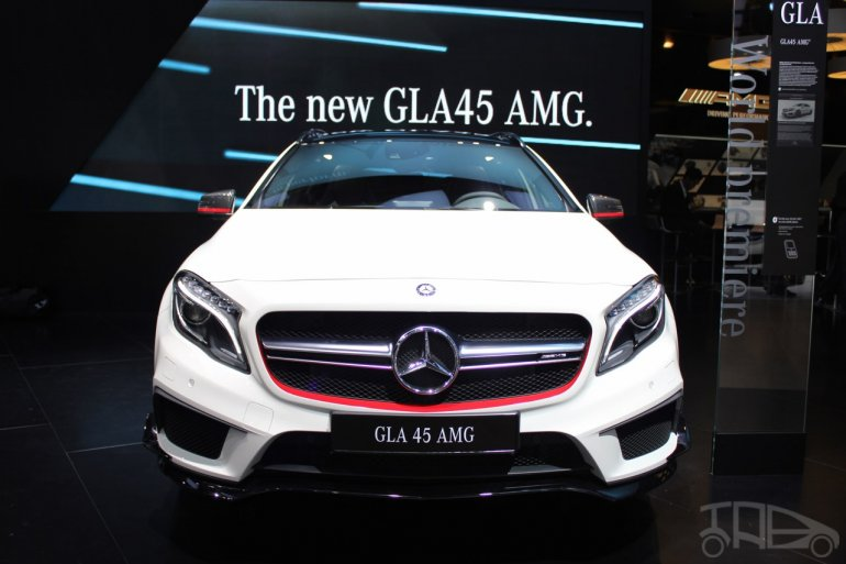 Mercedes GLA 45 AMG at 2014 NAIAS front