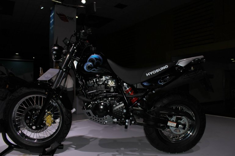 Hyosung RT125 D side at Auto Expo 2014