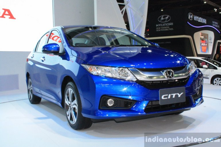 2014 Honda City at Bangkok Motor Show front quarter