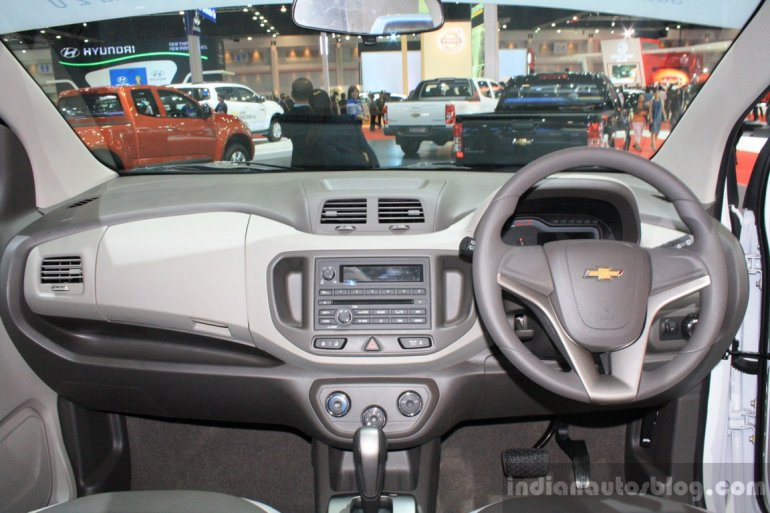 Chevrolet Spin dashboard at 2014 Bangkok Motor Show