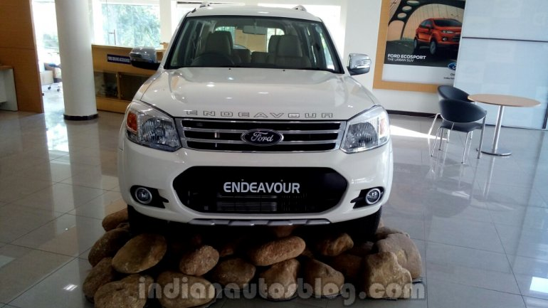 2014 Ford Endeavour front - Live image
