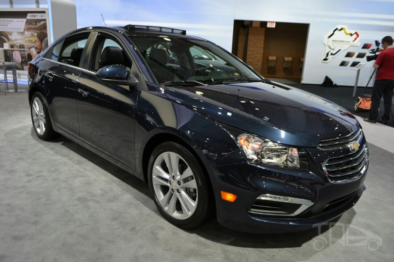 2015 Chevrolet Cruze at 2014 New York Auto Show - front three quarter