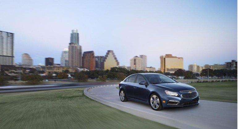 2015 Chevrolet Cruze facelift press shot