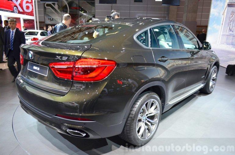 2015 BMW X6 rear three quarter at the 2014 Paris Motor Show