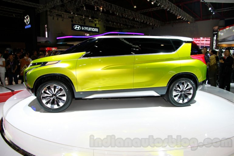 Mitsubishi Concept AR at the 2014 Indonesia International Motor Show side