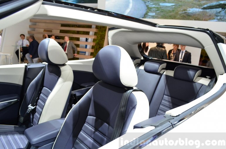 Ssangyong XIV-Air Concept cabin at the 2014 Paris Motor Show