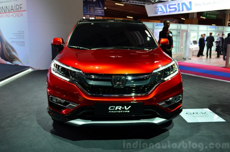 2015 Honda CR-V front at the Paris Motor Show 2014