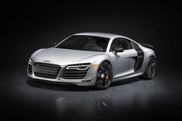 Audi R8 Competition front three quarter