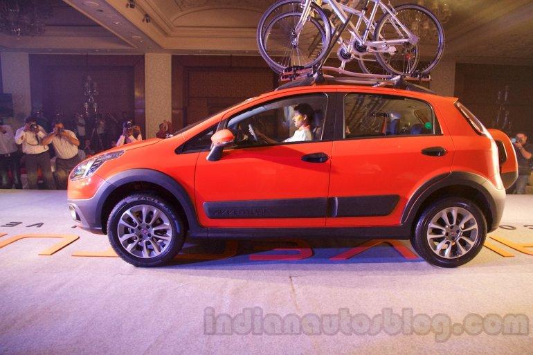 Fiat Avventura launch live image side