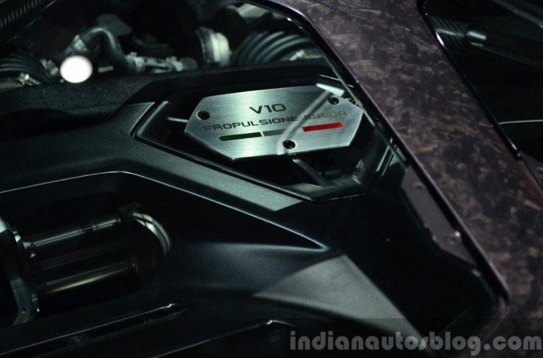 Lamborghini Asterion engine at the 2014 Paris Motor Show