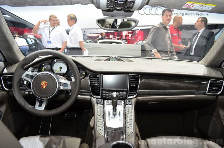 Porsche Panamera S E-Hybrid interior at the 2014 Paris Motor Show