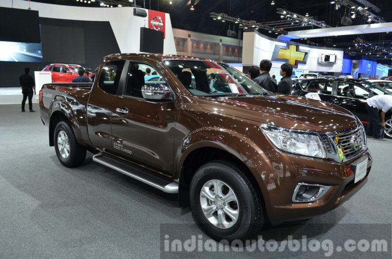 2015 Nissan Navara front three quarters at the 2014 Thailand International Motor Expo