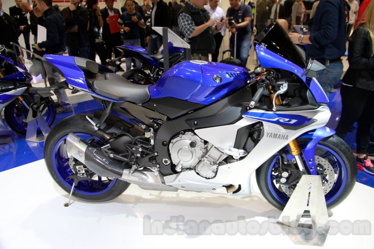 2015 Yamaha YZF-R1 side at EICMA 2014